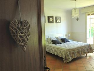 Nice 1 bedroom Bed and Breakfast in Castelmoron-sur-Lot - Castelmoron-sur-Lot vacation rentals
