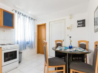 2 bedroom Apartment with Internet Access in Split - Split vacation rentals