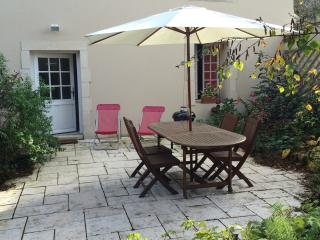 2 bedroom Gite with Internet Access in Bayeux - Bayeux vacation rentals