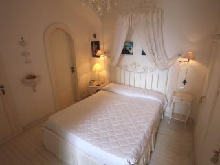 Apt Duca with Garden on Waterside.Santa Margherita - Santa Margherita Ligure vacation rentals