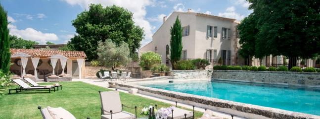 Modern luxury villa in Provence, 6 bdr, 12 people - Saint-Cannat vacation rentals