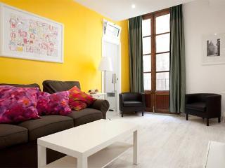 Plaza Real 4 Bedrooms - Barcelona vacation rentals