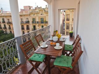 Central Apartment with Terrace - Barcelona vacation rentals