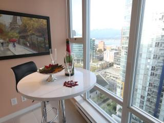 Beautiful High-Rise Home In The Heart of Downtown. - Vancouver Coast vacation rentals