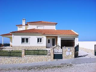 Bright 4 bedroom Vacation Rental in Lourinha - Lourinha vacation rentals