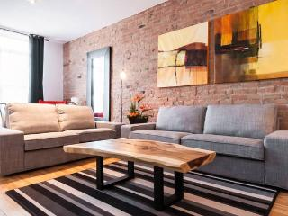 Amazing Location: Metro Mont-royal ! Sleeps 10. - Montreal vacation rentals