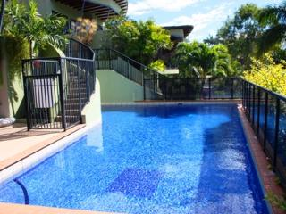 Cozy 3 bedroom Condo in Airlie Beach - Airlie Beach vacation rentals