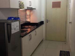 Makati 1 bedroom condo for short term rental - Taft vacation rentals