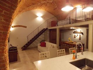 """Appartamento """"La Volta su Arezzo"""" - Arezzo vacation rentals"""