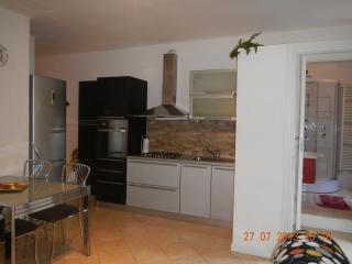 Romantic 1 bedroom Condo in Valmadrera with Internet Access - Valmadrera vacation rentals