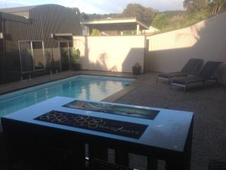 Ian Road Apartment Mt Martha. Mornington Peninsula - Mt Martha vacation rentals