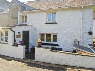 Y BWTHYN, character cottage, woodburner, pet-friendly, countryside location, near Cardigan, Ref 916774 - Cardigan vacation rentals