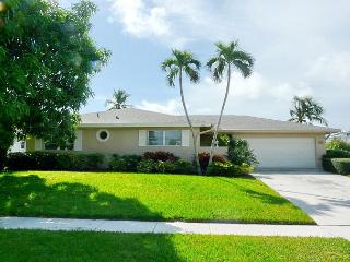Ideally located house w/ huge heated pool & short walk to the beach - Marco Island vacation rentals