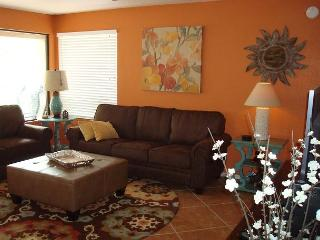 Enjoy spectacular views of the Catalina Mountains-First Floor Corner Condo! - Tucson vacation rentals