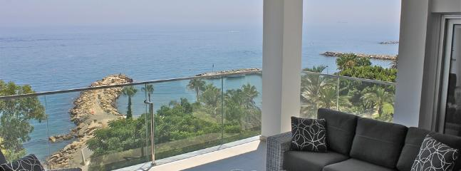 5b Deluxe Penthouse - Amathus beach - Parekklisia vacation rentals