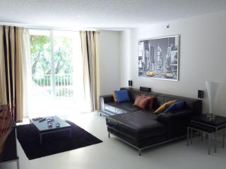 2 Bed Condo At The Yacht Club Near Aventura Mall - Aventura vacation rentals