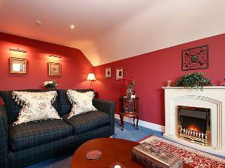 Melville House Coll Apartment - Edinburgh vacation rentals