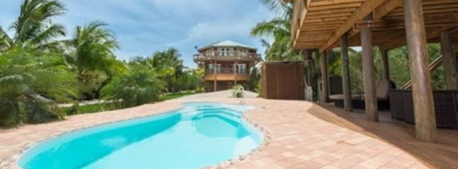 Magnificent 3 Bedroom Villa in the Florida Keys - Summerland Key vacation rentals