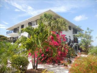 Beautiful open quiet waterfront location directly on the Gulf of Mexico - Marathon vacation rentals