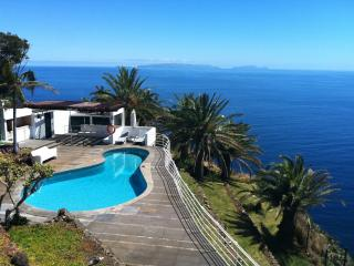 Bright Villa with Internet Access and Satellite Or Cable TV - Canico vacation rentals