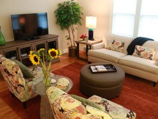 Sweet Pea Cottage, Walk to Beach & Town - Southwest Michigan vacation rentals