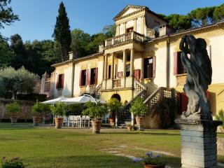 Villa Vigna Contarena: Mid Summer Dream - Este vacation rentals