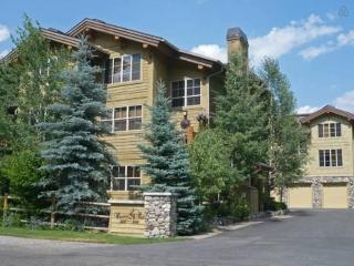 High-end Condo in Sun Valley - Easy Walk To Skiing - Ketchum vacation rentals