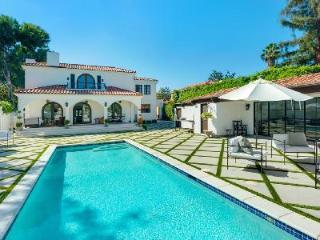Sumptuous Hancock Park Villa in Historic Area with Pool & Guest House - Los Angeles vacation rentals