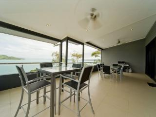 3 bedroom Apartment with A/C in Hamilton Island - Hamilton Island vacation rentals