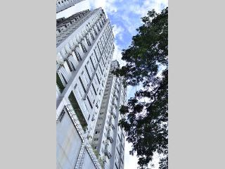Secure/Furnished 2BR Condo@Timog Ave w/ Wi-Fi&Pool - Quezon City vacation rentals