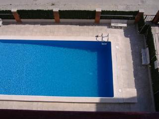Sunny apartment 3 rooms,pool,beach,parking - Segur de Calafell vacation rentals