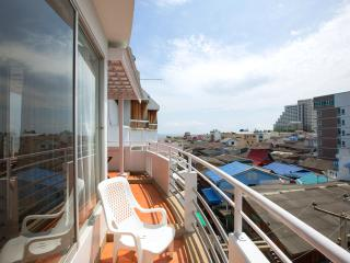 Rooftop view& big balcony in city centre - Hua Hin vacation rentals