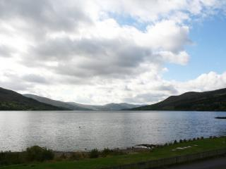 Bright 3 bedroom Loch Tay House with Internet Access - Loch Tay vacation rentals
