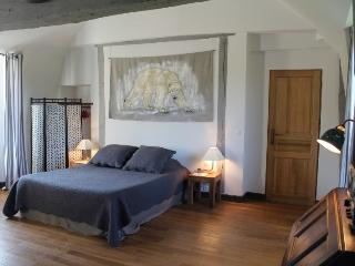 Romantic Bed and Breakfast in Salbris with Central Heating, sleeps 2 - Salbris vacation rentals