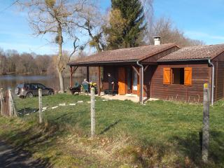 Etang des Bourdelles  BORD SAINT GEORGES 23230 - Gouzon vacation rentals