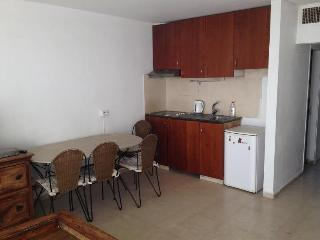 7 minutes walk for the beach - Eilat vacation rentals