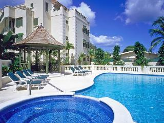 Luxurious 3 bed penthouse boasts panoramic sea views, private jacuzzi pool, sun bathing terrace and beach access - Four Corners vacation rentals