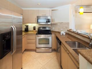 Gorgeous Barbados condo has a unique split level layout. With two beautiful bedroom, two bathroom, open-plan living room, kitche - Christ Church vacation rentals