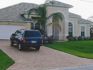 4 bedroom, 2.5 bathroom home within walking distance to the local mall. Private swimming pool and hot tub. - Cape Coral vacation rentals