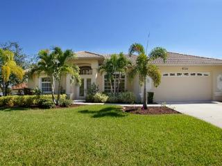 Pool- Boat dock- Delightful 3 bedroom luxury villa- On water way- Elegantly decorated- Pet friendly - Cape Coral vacation rentals
