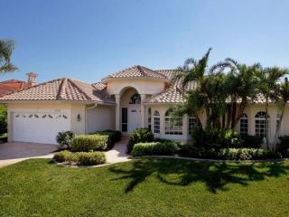 Sophisticated luxury Cape Coral villa- Private boat dock- Private pool- Pet friendly- 5 bedrooms - Pine Island vacation rentals