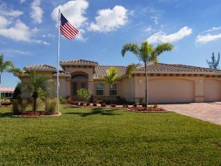 Perfectly private family vacation home-Wonderful heated pool- 3 bedrooms-Eastern exposure - Cape Coral vacation rentals