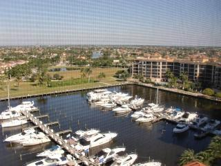 2 bedroom luxury condo- Beautiful views over Cape Harbour- Pool- Spa- North exposure- On canal - Cape Coral vacation rentals