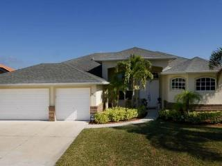 Comfortable 3 bedroom vacation home- Single family- Pet friendly- Heated pool- Beautiful lanai - Cape Coral vacation rentals