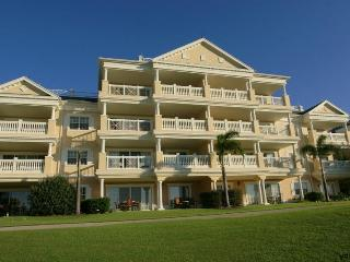 Beautiful 3 bedroom condo- Stunning golf course views- Privtate balcony- Alfresco Dining Area - Reunion vacation rentals