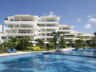 Classic 3 bedroom condo, with beautiful surrounding gardens. Garden area. - Hastings vacation rentals