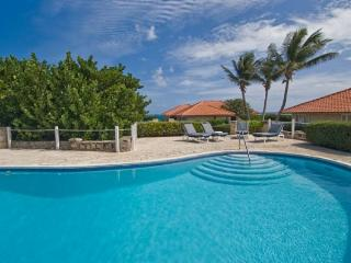 Beautiful 4 bedroom private home, with sounds of the waves from the Atlantic Ocean - Derricks vacation rentals