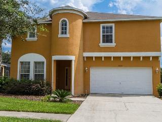 3 miles from Disney- Beautiful 7 bedroom vacation home- Pool- Games room- Woodland views - Central Florida vacation rentals
