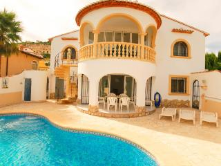 4 bedroom Villa with Internet Access in Rafol de Almunia - Rafol de Almunia vacation rentals
