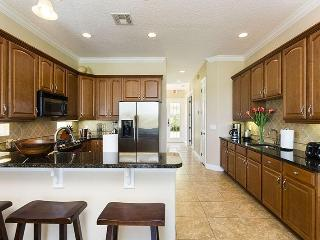 5 bed, 4.5 bath villa, pool and spa with golf views, Games room and WiFi - Reunion vacation rentals